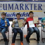 Siegerehrung U12: Hannes Hetzner (SC Erlangen/3.), Maximilian Lohr (TSV Mainburg/1.), Sebastian Astner (FC Ergolding/2.) und Liliane Pavlov (Regensburger Turnerschaft/Bestes Mädchen)